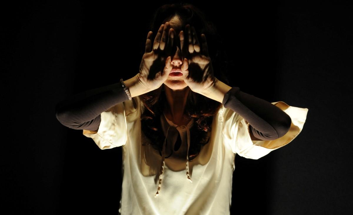 Abraxa Teatro - Gioco Segreto - Più nitida è l'Ombra più forte è la Luce - Francesca Tranfo