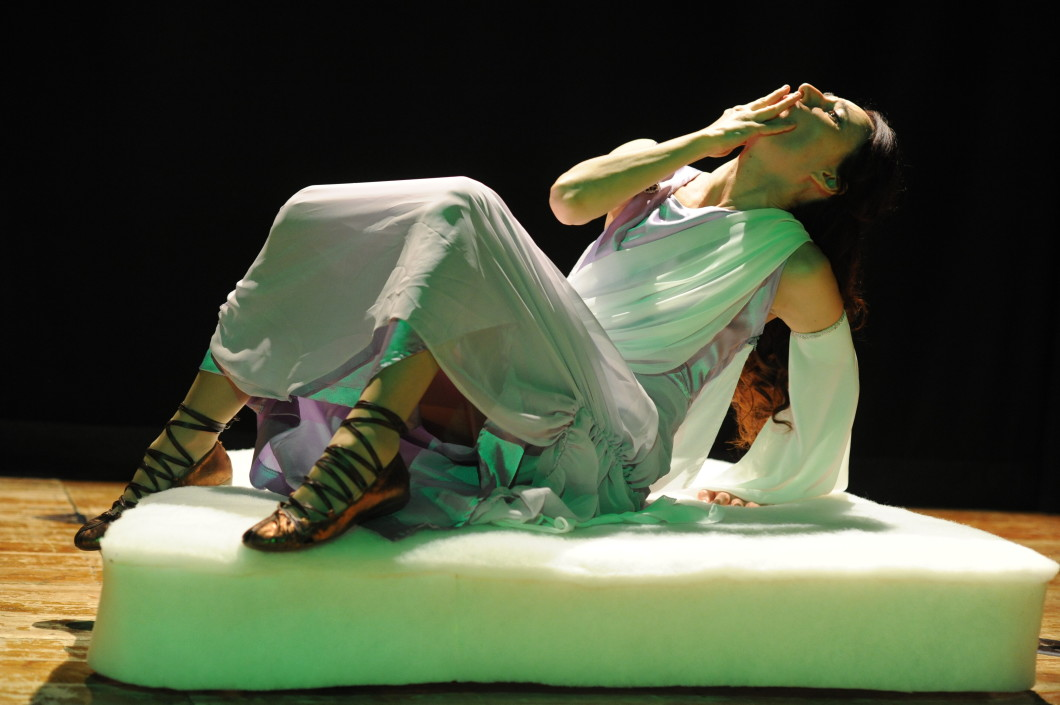 Francesca Tranfo intepreta Nemea - Abraxa Teatro
